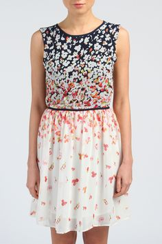 Robe Fleurs, Best mountain http://www.spartoo.co.uk/Dresses-Best-Mountain-women-st10515-o540-0-clothes.php