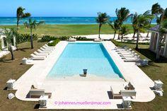 Swiming pool in Caribe interior designer monicadamonte  smania out www.monicadamonte.com Odulia alassio