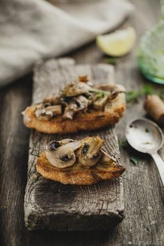Baked Mushrooms With Lemon And Thyme Bruschetta