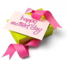 Celebrate Mom with Inexpensive Mother's Day Gifts & Restaurant Discounts & FREEBIES! #mothersday