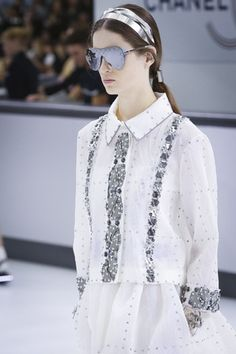 Karl Lagerfeld was flying sky high with his Spring/Summer 2016 Chanel show. This time the designer decided to turn the Grand Palais show venue into a sleek and chic airport&nbsp. Live Fashion, Fashion Show, Paris Look, Black White Gold, Sky High, Spring Summer 2016, Runway Fashion, Ready To Wear, Fashion Photography