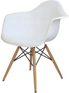Cadeira DAW Eames Polipropileno Preta