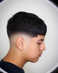 Check out these popular and trendy hairstyles for young men. We& got the hottest crop fades, best teen boy haircutsand hairstyles for young black men. Waves Haircut, Crop Haircut, Taper Fade Haircut, Teen Boy Haircuts, Haircuts For Men, Stylish Haircuts, Young Mens Hairstyles, Men's Hairstyles, Faded Hair