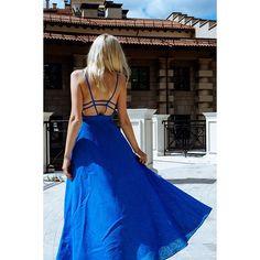 Пока начало сентября дарит теплые денечки, успеваю выгуливать летнее платье на тоненьких бретелях ❤️ #dress#fashion#fashionblogger#blogger#style#streetstyle#outfit#designer#krutikovamary#beautiful#photographer#@sokovninaphoto#@sokovninaolga#happiness#sun#moscow#moscowcity#🌞