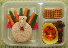 {Gotta See} Cookie Cutter Lunchbox Lunches for the kids-Yummy & Fun Love this turkey-Part sandwich part veggies See more clever ideas for kids lunches Thanksgiving Lunch, Thanksgiving Recipes, Thanksgiving Appetizers, Toddler Meals, Kids Meals, Kids Lunch For School, School Lunches, Kid Lunches, Little Lunch