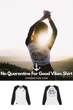Good Vibes lassen sich nicht in Quarantäne stecken, es gibt genug andere Dinge für die wir dankbar sind. Das brandneue Longsleeve wurde aus 100 % hochwertiger Bio-Baumwolle unter fairen Bedingungen produziert. 1€ spenden wir an THE STRONCTON FOUNDATION. Ein Shirt zum Wohlfühlen, es ist super bequem sitzt und passt gut. Mehr nachhaltige Streetwear und Stuff findest du bei Stroncton im Online Shop. #longsleeve #t-shirt #stroncton #stronctonfamily #heartoverbucks #klamotten #fair #sustainable Am Meer, Longsleeve, Baseball Shirts, Good Vibes, Super, My Outfit, Streetwear, Movie Posters, Inspiration