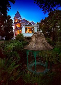 Evening falls on the magic that is Historic Deepwood Estate. A hidden gem in Salem, Oregon