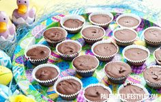 Delicious Paleo bite-sized chocolate treats for the whole family. Cheap Chocolate, Paleo Chocolate, Chocolate Treats, Homemade Chocolate, Dessert Chocolate, Paleo Sweets, Paleo Dessert, Healthier Desserts, Diet Desserts