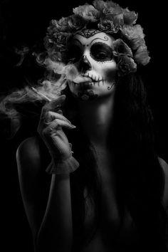 Santa muerte smocking // Skull // Day of the dead //Flower crown #make up