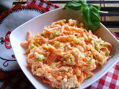 Kuchnia z widokiem na ogród: Surówka z pora, marchewki i jabłka. Szybka, smaczna surówka obiadowa.