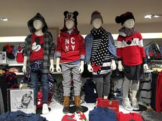 GAP VISUAL MERCHANDISING on Behance Merchandising Tips, Retail Windows, Kids Boutique, Ugly Sweater, Christmas Sweaters, Kids Fashion, Display Windows, Behance, Textiles