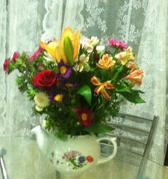 My kitchen vase......my teapot!