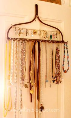 Sarahndipities ~ fortunate handmade finds: Things to Make: Jewelry Display from a Rake