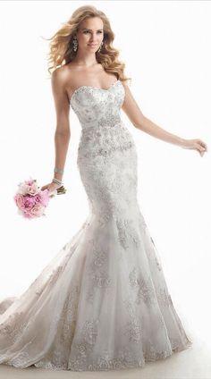 White and Gold Wedding. Sweetheart Neckline, Lace Trumpet Wedding Dress. Gabytaangeles