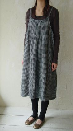 simple camisole dress with long sleeved shirt and leggings = warm.