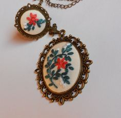 Hand Embroidery Jewelry Set,  Long Chain Necklace, Adjustable Ring door RedWorkStitches op Etsy https://www.etsy.com/nl/listing/224635497/hand-embroidery-jewelry-set-long-chain