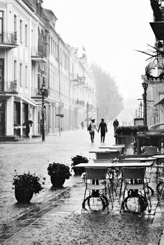 Paris in the rain. Still beautiful!