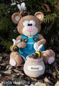 bear with honey pot a crochet pattern by mala by malaDesign