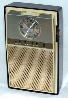 Vintage Zenith Royal 59 Transistor Radio, Chassis 8MT52Z8, Broadcast Band Only (MW), Made In USA, Circa 1965.