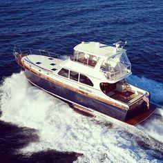 Vicem 65 Fly all mahogany #boatim #boatlife #motorboat #motoryacht #yacht #woodenboat #woodenyacht #mahogany #summer #sea #fun #vicemyachts