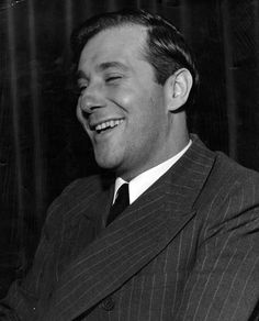 Bugsy having a laugh Real Gangster, Mafia Gangster, Bugsy Siegel, Mafia Crime, City Of Angels, Have A Laugh, Abraham Lincoln, Gangsters, Mobsters