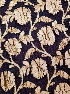 Bandhani Saree, Firewood, Texture, Crafts, Surface Finish, Woodburning, Manualidades, Handmade Crafts, Craft