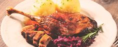 Goose legs with red cabbage and sweet potato - Abendessen - Avocado Dessert, Avocado Toast, Red Cabbage, Sweet Potato, Great Recipes, Food To Make, Main Dishes, Chicken Recipes, Pork