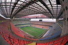 Bye-bye San Siro: il Milan dà l'addio al Meazza New Football Stadiums, Milan Football, Soccer Stadium, Leonel Messi, Holiday Places, Building Structure, Ac Milan, Architect Design, Beautiful Sites