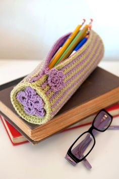 Crochet pencil case (or crochet hook case)