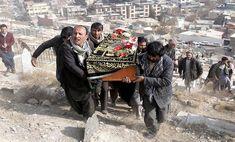 """Gobierno elevó a 103 el número de víctimas fatales en atentado de Kabul -  El Gobierno de Afganistán elevó hoy a 103 el número de muertos y a 235 el de heridos en el atentado perpetrado el sábado por los talibanes con una ambulancia bomba en una céntrica zona deKabulen la que se encuentra la antigua sede del Ministerio del Interior. """"Las cifras de que disponemos mues... - https://notiespartano.com/2018/01/28/gobierno-elevo-103-numero-victimas-fatales-atentado-ka"""