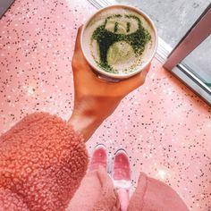 En mi último viaje descubrí los lugares mas instagrameables de Nueva York. He aquí una lista de las tiendas, restaurantes y hoteles dignos de Instagram. Grapefruit, Nyc, Instagram, Food, Hotels, Tents, Restaurants, New York City, Lugares