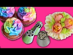 Multicolored flowers with your Russian Piping tips - How to decorate cupcakes with Russian tips -