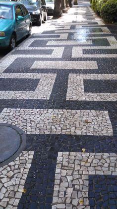Driveway Tiles, Driveway Design, Concrete Patio Designs, Paver Designs, Outside Flooring, Patio Flooring, Garden Pavers, Landscaping Retaining Walls, Small Courtyard Gardens