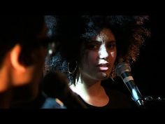 ▶ Ibeyi - Mama says - live - YouTube