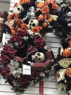 Holidays Halloween, Wreaths, Home Decor, Decoration Home, Door Wreaths, Room Decor, Deco Mesh Wreaths, Home Interior Design, Floral Arrangements