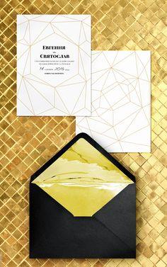 """Приглашения в золотом цвете, еще и с геометрическими линиями - must have этого сезона! Полиграфия """"Золотое Сечение"""" доступна к заказу на WedinDIY gold wedding invitations"""