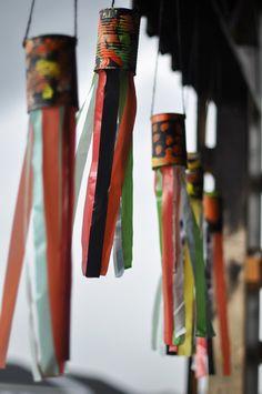 Tin can ribbon flyer