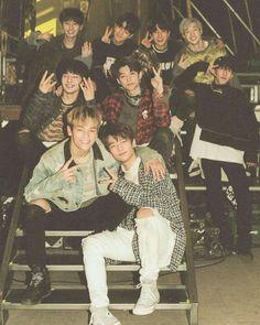 Kpop Memes And Fotos - 63 - Wattpad Lee Min Ho, Fanfiction, Sung Lee, Rapper, Fangirl, Wattpad, Kids Wallpaper, Lee Know, Kpop Boy