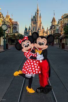10 Ways To Propose At Walt Disney World