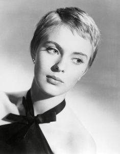Listen to music from Jean Seberg like A Million Miles Away Behind The Door and Hiasmina. Find the latest tracks, albums, and images from Jean Seberg. Asymmetrical Pixie Cuts, Short Pixie, Short Hair Cuts, Short Hair Styles, Jean Seberg, Best Pixie Cuts, Super Short Hair, Really Short Hair, Mia Farrow