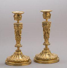 Par de casticais Franceses Louis XVI em bronze gilded a ouro, 28cm de altura, 3,525 USD / 3,200 EUROS / 13,880 REAIS / 23,020 CHINESE YUAN soulcariocantiques.tictail.com