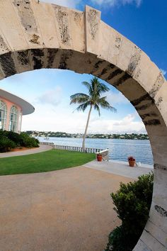 view thru a moongate, Hamilton Harbor, Bermuda