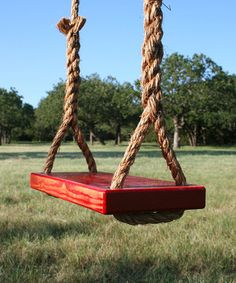 The ultimate in classic, backyard entertainment, this swing makes it easy to enjoy a billowing breeze.