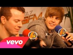 ▶ Justin Bieber - Love Me - YouTube
