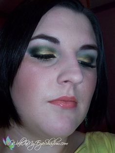 Makeup Monday - Green and Gold Smokey Look [Dec '09]