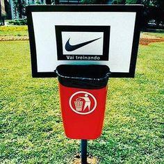 Nike incentivando a jogar o lixo no lixo
