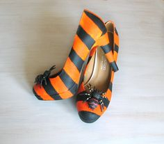 Halloween shoes, boots, witch shoes, Halloween decor, Thanksgiving, orange purple black, spiders, costume party, OOAK, unusual arrangement - pinned by pin4etsy.com