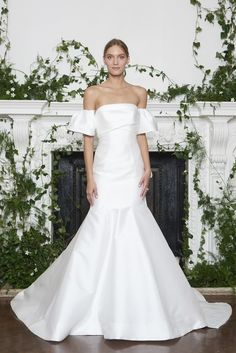 See Monique Lhuillier Wedding Dresses From Bridal Fashion Week 2018 Wedding Dresses Trends, Sexy Wedding Dresses, Wedding Dress Sleeves, Long Sleeve Wedding, Designer Wedding Dresses, Wedding Attire, Bridal Dresses, Wedding Gowns, Bridal Looks