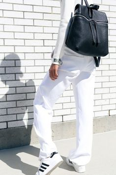 Photo (via Bloglovin.com )  #NEB #noiretblancconcept #blackandwhite #fashion #style