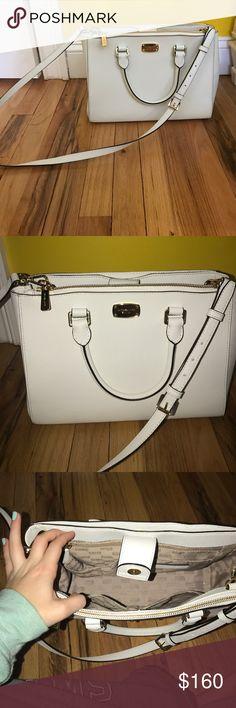Michael Kors kellen bag Michael Kors bag - used once!! BRAND NEW condition Large inside - back pocket & front zipper! OPEN TO OFFERS - NO LOWBALLS Michael Kors Bags